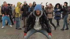 Puttin' On The Ritz by Russian Flash Mob (very cool)  Цекало и Puttin` отожгли на Воробьевых горах, via YouTube.