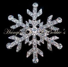 Snowflake Pin Brooch Clear Crystal Silvertone Metal Winter Style 4815 #nobrand