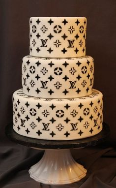 Louis Vuitton cake ~ stenciled airbrushed