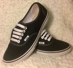a1cc538cf78c Details about VANS Lo Pro Classic Blk Canvas Low Top Skate Shoes Womens Sz  8 - Mens Sz 6.5