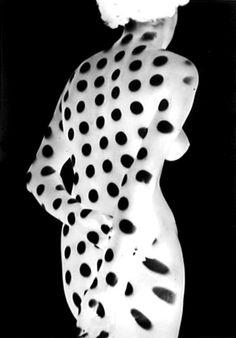 Kleid aus Licht 'Negative' 1949 - Heinrich Heidersberger    →VINTAGE IN FOCUS