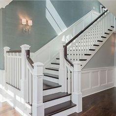 Awesome Modern Farmhouse Staircase Decor Ideas – Decorating Ideas - Home Decor Ideas and Tips - Page 5 Interior Design Minimalist, Luxury Interior Design, Luxury Decor, Style At Home, Foyer Decorating, Decorating Tips, Staircase Remodel, Staircase Ideas, Banister Ideas