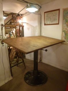 deco authentique - Nouveautés Table d'architecte ancienne Jeandal en acier décapé et plateau bois  dimensions 140x80 H mini 102