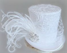 Wedding Top Hat, Kentucky Derby Fascinator, Derby Hats, Wedding People, Tea Party Hats, White Headband, Fancy Hats, Elastic Headbands, Ideias Fashion