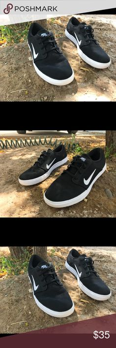 🔥OFFER 🔥NIKE SB, very clean 🔥👌🏽 VERY CLEAN SHOES 🔥👌🏽 LOOK BRAND NEW VERY FRESH, NIKE SB. MAKE REASONABLE OFFERS PLEASE I USED THIS SHOES 2 TIMES 🔥OFFER GUYS I WILL SHIP THE SAME DAY 📦 Nike Shoes Sneakers