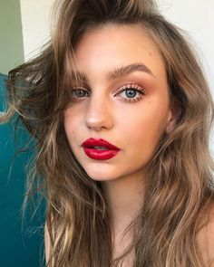 Best Red lipstick for the summer --- natural makeup, blue eyes, red lips, summer 2018, motd, makeup Inspo