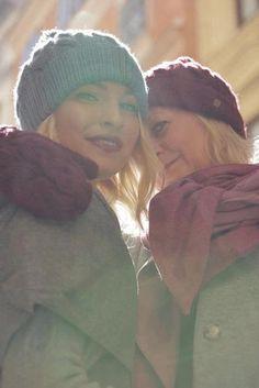 Schal aus feinstem Loden aus 100% Merinowolle. Das Schultertuch besticht durch ein angenehmes Tragegefühl. Das Dreieckstuch ist personalisierbar durch ein individuelles Monogramm und somit ein perfektes Geschenk. Passend zum modernen Outfit und zu Dirndl und Tracht.----- Shawl made from finest loden from 100% merinowool.  Scarf, shoulder scarf. Suitable to modern outfits and traditional clothes like dirndl. Perfect personalised Gift. #scarf #austriandesign #merinowool Winter Outfits, Casual Outfits, Moderne Outfits, Elegantes Outfit, Winter Hats, Christmas Gifts, Beanie, Knitted Hat, Pink