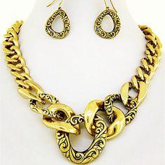 Gold ( vintage finish ) necklace set.  *stock: LLG-301  $18.USD