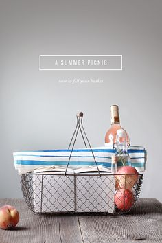 Once upon a time we owned a pricey picnic basket, but after an evening of bocce (and vodka!) on the beach, it ended up either lost or stolen (we're still not sure what happened). Now, I'm all about si