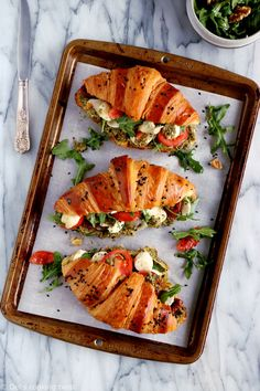 Healthy Vegetarian Recipes 65669 Salted Croissants with Tomatoes, Mozzarella and Basil Vegetarian Breakfast, Breakfast Recipes, Vegetarian Recipes, Cooking Recipes, Healthy Recipes, Vegetarian Soup, Gourmet Breakfast, Diner Recipes, Mexican Breakfast