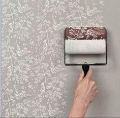 Em vez de papel parede, rolinhos de estampa...