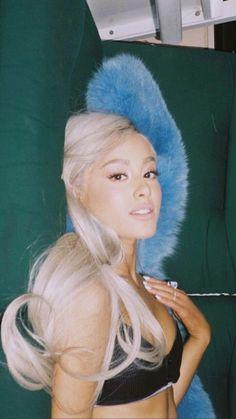 Ariana Grande's 10 Best Collaborations: Critic's Picks – Celebrities Woman Ariana Grande Fotos, Ariana Grande Pictures, Divas, Bilal Hassani, Ariana Grande Wallpaper, Dangerous Woman, Celebrity Babies, Cat Valentine, Gossip Girl