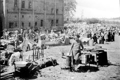 Kutno, Poland, June Jews and their belongings on arrival in the ghetto. Congo Crisis, Jewish Ghetto, Belgian Congo, Awsome Pictures, Lawrence Of Arabia, War Photography, Us History, Photo Archive, Vintage Photographs