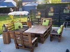Mon salon de jardin et mon claustras en palettes - par @Sabrina Beaudoin Becker sur le #CDB
