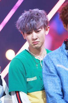 Whey chanyeol not happy? Chanbaek, Exo Ot12, Chansoo, Baekyeol, Baekhyun Chanyeol, K Pop, Dramas, Luhan And Kris, Exo Official