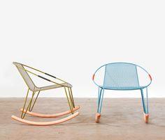 Tait, Volley, ontworpen door Adam Goodrum (AU, 1972) is een industrieel ontwerper die studeerde af aan de University of Technology, Sydney. Sinds zijn afstuderen heeft hij ontving vele onderscheidingen waaronder de 'Young Designer van het Jaar' in 1997 en de prestigieuze Bombay Sapphire Design Award in 2004. mooie combinatie van een licht stoel met de houten schommelstoel potten, hierdoor wordt het suffe van een standaard schommelstoel vervangen door iets nieuws.