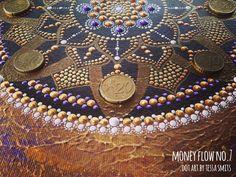 abstract dot art painting MONEY FLOW NO7 Tessa Smits detail
