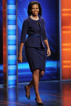 Michelle Und Barack Obama, Michelle Obama Fashion, American First Ladies, First Black President, Black Presidents, Classy Dress, African Dress, Lady, African Fashion