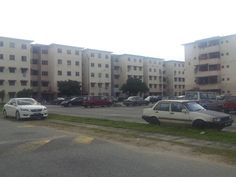 Court 1, Puchong Utama, Puchong - Jalan Puchong Utama 7, Puchong Utama, Puchong. Batu 14 Basic Unit Size: 786sf (3rooms; 2bath) Corner Unit For viewing, please do not hesitate to call Calvin 012-9697882 Furniture: Unfurnished    http://my.ipushproperty.com/property/court-1-puchong-utama-puchong/