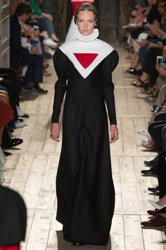 Valentino Fall 2016 Couture Fashion Show - Adrienne Jüliger (Viva)