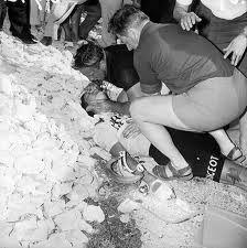 Vanaf de dood van Tom Simpson is het wielrennen zichzelf gaan controleren op doping. e sport moest schoon worden. Daarom worden wielrenners in tegenstelling tot andere sporters veel meer gecontroleerd. Ik denk dat een schone sport een illusie is.  Tom Simpson wanted to stay on his bike till the very end, he collapsed on Mont Ventoux in the Tour de France on July 13, 1967