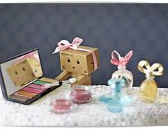 "Résultat de recherche d'images pour ""danbo"" Amazon Box, Danbo, Robot Art, Little Boxes, Cute Cats, Wallpaper, Diaries, Keyboard, Beauty Products"