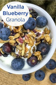 It is so important to start the day with nutritious, energizing food, so I love this easy homemade blueberry vanilla granola. Vegetarian Breakfast Recipes, Healthy Eating Recipes, Healthy Snacks, Brunch Recipes, Healthy Eats, Healthy Life, Healthy Living, Dairy Free Recipes, Vegan Recipes