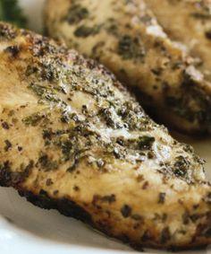 """BOCADITOS DE POLLO HORNEADOS Al ESTILO SCAMPI ITALIANO.  Disfruta el sabor de este sencillo y jugoso #pollo sazonado con un condimento de camarones al estilo italiano. www,hollyclegg.com """"El día de la #Quimioterapia"""""""
