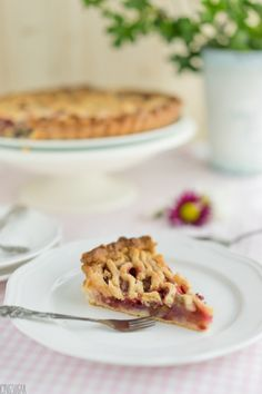 Rhubarb Rose Tart {by Icing-Sugar.net}