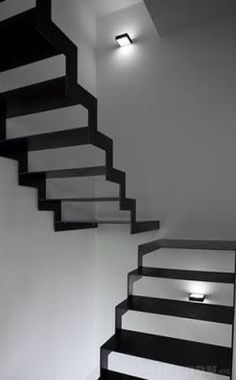 The stairs show a balanced scale because the flow of the stairs are directional from the right to the left.