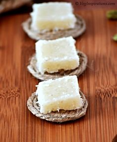 How to make coconut burfi ~ thengai barfi ~ Nariyal burfi ~ with stepwise pictures. Indian Desserts, Indian Sweets, Indian Food Recipes, Indian Snacks, Indian Dishes, Coconut Barfi Recipe, Coconut Burfi, Easy Sweets, Sweets Recipes