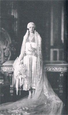 The Wedding Dress - Princess Astrid of Sweden _ Queen of Belgium ( Suite )