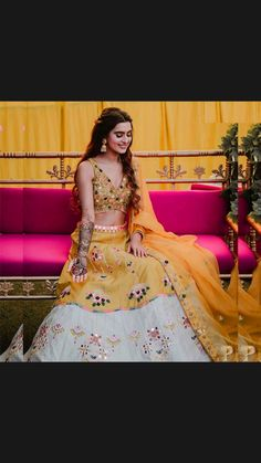 Indian Bridal Outfits, Indian Fashion Dresses, Bridal Dresses, India Fashion, Indian Party Wear, Tokyo Fashion, Pakistani Dresses, Fashion Fall, Indian Wear