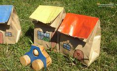 Bolsas de papel recicladas para jugar a las casitas   (Hacé click sobre la imagen  y te lleva  a la pagina) http://www.lasmanualidades.com/6339/bolsas-de-papel-recicladas-para-jugar-a-las-casitas