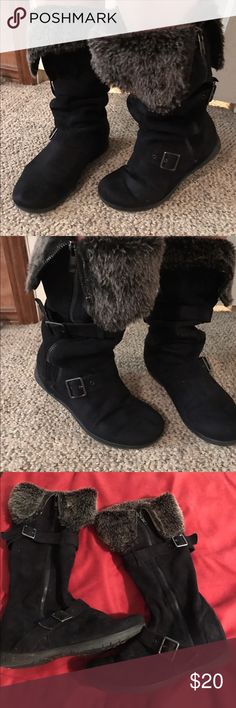 Zigi soho suede boots USED! Faux fur size 8 zigi soho suede boots, Still had lots of wear left In Them super cute Zigi Soho Shoes Winter & Rain Boots