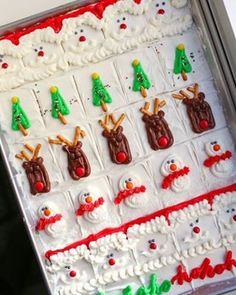 Christmas Truffles are not only adorable, but they are also so good! Christmas Truffles, Christmas Sugar Cookies, Christmas Snacks, Holiday Meals, Christmas Goodies, Christmas Recipes, Holiday Recipes, Cake Batter Truffles, Cupcakes
