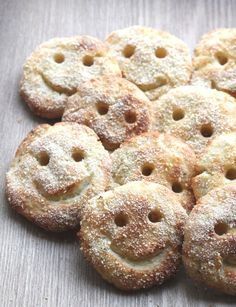 Homemade Potato Smiles, made with leftover mashed pototo (mashed potatoes with cheese cooking) Easy Meals For Kids, Toddler Meals, Kids Meals, Toddler Food, Toddler Recipes, Family Meals, Healthy Baking, Healthy Snacks, Healthy Kids
