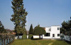 Arne Jacobsen's home, Gentofte, Denmark. Designed by the man himself 1929 & 1931 @llwdesign