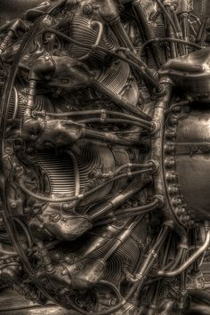 Ref - HR Giger. A Pratt & Whitney radial airplane engine. First run in over of these were built in all variants, and saw extensive service in World War II combat, then in civilian airplanes for years afterward. Motor Radial, Image Avion, Radial Engine, Mechanical Art, Aircraft Engine, Harley Davidson, Aviation Art, Military Aircraft, World War Ii