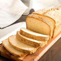 Picture the gluten free white sandwich bread youve been missing in your life and know that the wait is over. Its that simple. This soft and tender bread bends and squishes and has a lovely bakery-style crust. Best Gluten Free Bread, Gluten Free Cooking, Gluten Free Desserts, Dairy Free Recipes, Vegan Gluten Free, Gluten Free Homemade Bread, Gluten Free White Bread Recipe, Gluten Free Sandwich Bread Recipe, Vegan Recipes