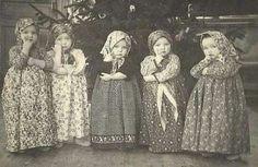 48 Ideas for funny girl pics kids Vintage Children Photos, Vintage Pictures, Old Pictures, Vintage Images, Old Photos, Girl Pictures, Funny Girl Pics, Funny Kids, Vintage Abbildungen