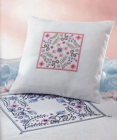 Perna cu modele florale Cross Stitch Pillow, Needlework, Throw Pillows, Embroidery, Creative, Floral, Album, Elegant, Table