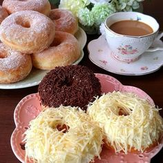 Donut Recipes, Dessert Recipes, Cooking Recipes, Rice Recipes, Recipies, Delicious Donuts, Yummy Food, Delicious Recipes, Doughnut Muffins
