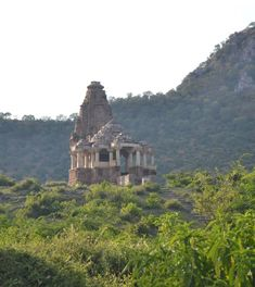 Bhangarh – India's Haunted City ~ Kuriositas Ghost City, Ghost Towns, Abandoned Houses, Abandoned Places, Haunted Houses, Abandoned Castles, Abandoned Mansions, Most Haunted Places, Royal Residence