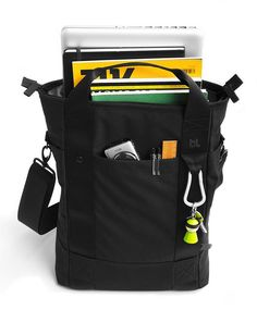 Bluelounge Laptop Tote Bag for MacBook Pro - Black – BrandsWalk Macbook Pro, Black Leather Tote Bag, Leather Laptop Bag, Black Tote, Laptop Tote Bag, Tote Backpack, Mens Tote Bag, Cool Messenger Bags, Pet Plastic Bottles