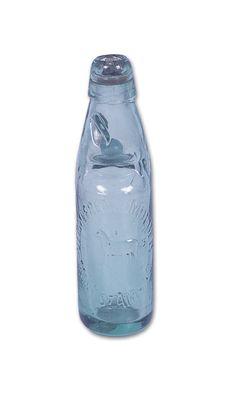 Jarenlang heeft men gezocht naar een manier om sprankelende dranken zoals limonade, spuitwater of bier in een gesloten fles te bewaren, zonder dat de dop er onder de druk van het gas kan afspringen.
