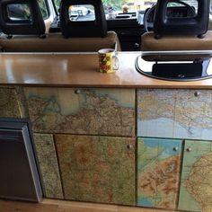 VW Bus Ausbau DIY And Ideas For You 31  Du möchtest deinen Camper ausbauen? Hier findest du die besten Ideen für Stauraum, Bett und Anleitungen um deinen T2, T3, T4, T5 oder LT bzw. Crafter zu einem Campingbus auszubauen. Verwandle deinen Bulli in einen coole Campervan und steig ein ins Vanlife.  #vanlife #vw #campingbus #bulli #ausbau #diy #bett #stauraum #anleitung #campingbus #campervan