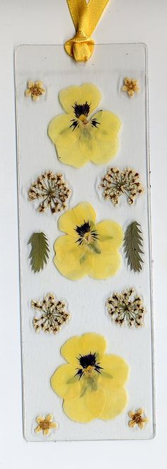 pressed flowers ~ I can make these Dried And Pressed Flowers, Pressed Flower Art, Dried Flowers, Diy And Crafts, Paper Crafts, Diy Bookmarks, Book Markers, Camping Crafts, Nature Crafts