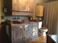pictures of primitive bathrooms Country Decor, Decor, Country Primitive, Rustic Bathrooms, Primitive Decorating Country, Primitive, Primitive Bathroom Decor, Primitive Bathrooms, Primitive Kitchen