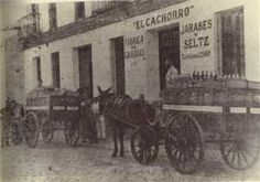 barrio de triana sevilla   Sevilla, plaza de San Francisco Plaza, Nostalgia, San Francisco, Antiques, Painting, Vintage, Frases, B W Photos, Beautiful Men